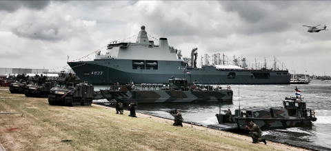 "Joint Support Ship (JSS) de ""Zr.Ms. Karel Doorman (A833)"""